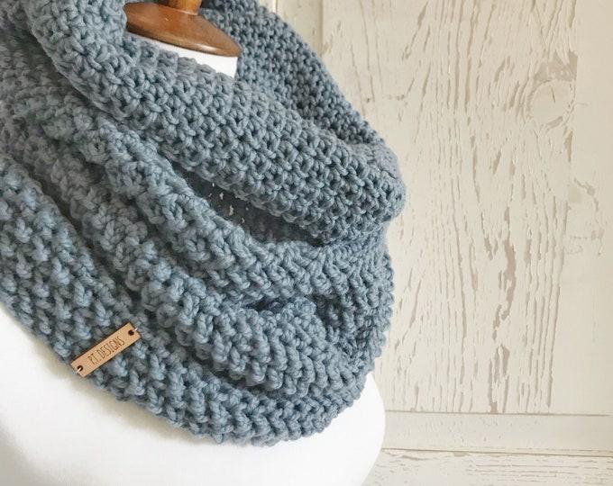 Featured listing image: Organic Merino wool cowl : Blue Gray