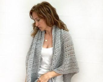 Soft Wool Triangle Wrap : Light Gray