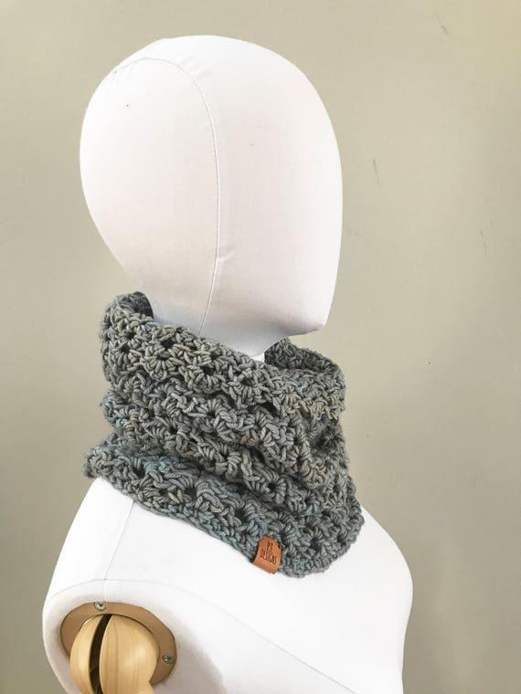 Merino Wool Cowl : Icy Gray