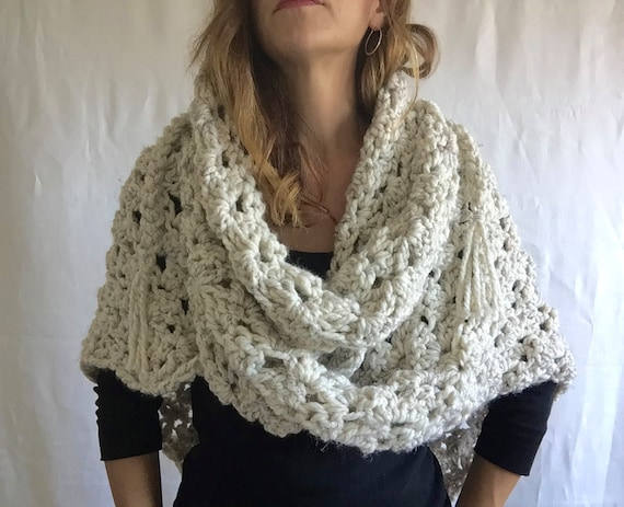 Chunky Wool Triangle Wrap | style #1025