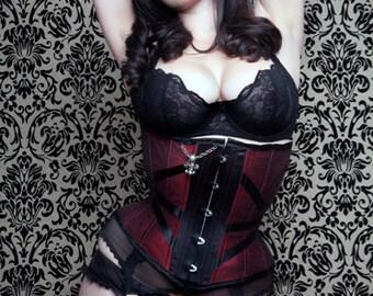 Tightlacing BUY NOW 18 in waist Black & Red Corset Underbust Rock n Roll Fleur de lis Skull