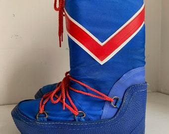 Vintage Moon Boots blue and red made in korea size 34  US 3