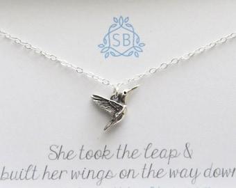 Motivierende Geschenk • Hummingbird Halskette • winzigen Vogel Charme • Soaring Vogel Halskette • inspirierend Schmuck • Graduierung Geschenk • Kolibri