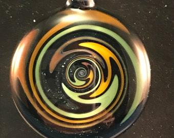 Borosilicate wigwag pendant