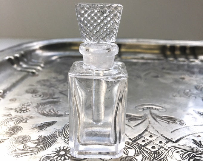 Clear Glass Perfume Dauber Bottle / Decorative Glass Stopper Bottle / Glass Tincture Bottle / Essential Oil Bottle / 9 ml (1/3 ounce)