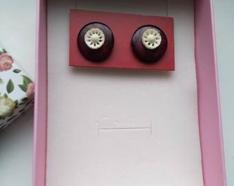 Carved Bone Earrings, Vintage Button Earrings, Roundel/Rondelle Post Earring, Medium Studs, Circle Earring- Round Earrings by enchantedbeads
