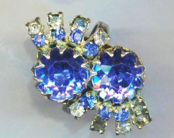 Blue Rhinestone Vintage Ring. Prong Setting . Two Royal Blue Stones . Silver Color Statement Ring . Blue Midnight Sapphire . Round Sparkling