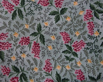 Serenity Pink and Green Floral Pattern Cotton Fat Quarter
