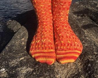 Flower Petal Toe-Up Socks Pattern PDF