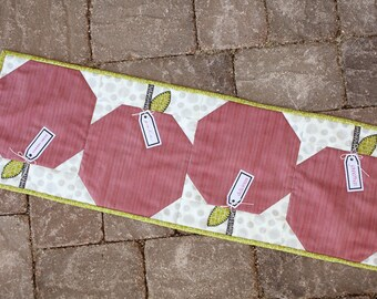 Apple Table Runner- Download Pattern