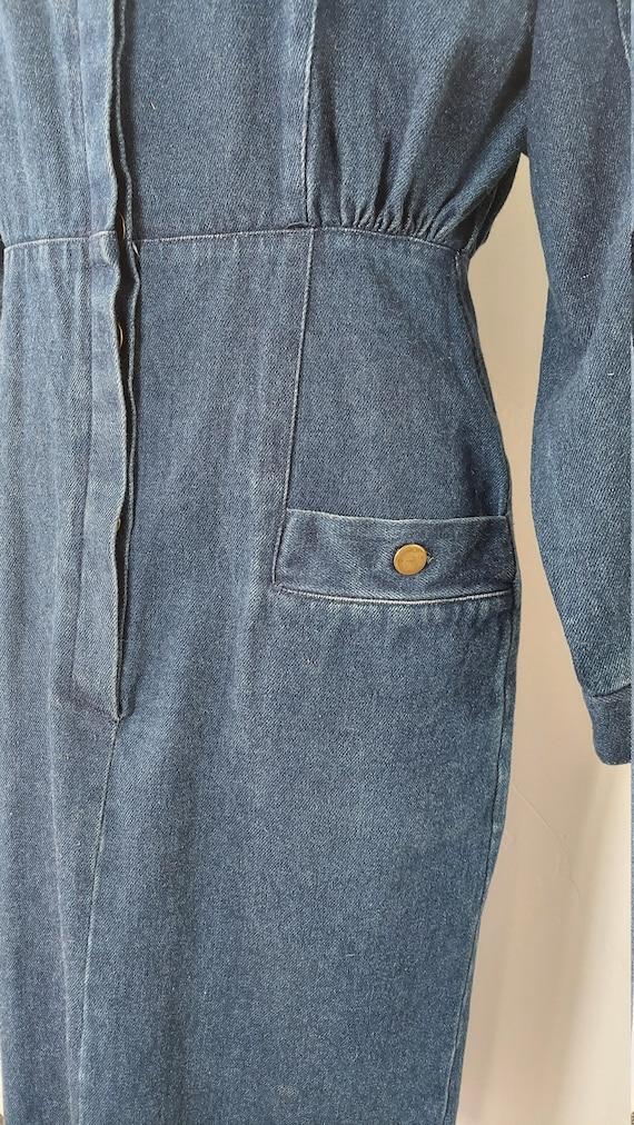 1980s Dark Wash Denim Dress with Loads of Pockets - image 5