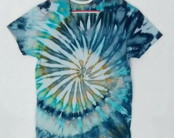 Blue Aqua Grey Green Ice Dyed Tee Shirt in men's size Large
