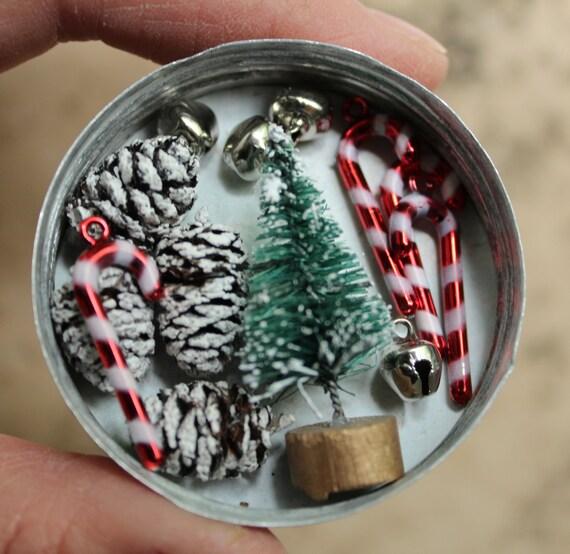 Tiny Christmas.Tiny Christmas Gift Wrapping Kits Retro Tiny Dollhouse Decorations Miniature Candy Cane Bells Bottle Brush Tree Mini Garland Wreath