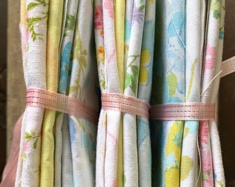 Vintage Floral Sheet Fabric Bundle - 1970's  Sewing Pastel Baby Hair Bows - Blythe Doll Clothes Sewing Quilting - Vintage Floral Fabric Book