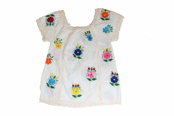 Vintage 1970s Floral Embroiderd Mexican Peasant Bl