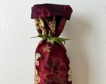 Wine bottle gift bag, wine present pouch, paisley floral, brick red batik, gold red tan green, reversible, holiday, hostess gift, elegant