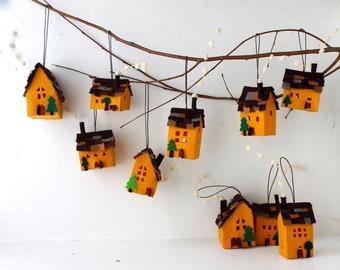 ornamenti di decorazione della casa set di otto case di etsy