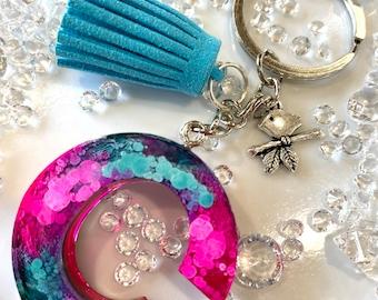Personalized tie-dye Keyring, Monogram keyring, Gift for her, C monogram gift, Letter C, Resin glitter keyring, Bird charm keyring