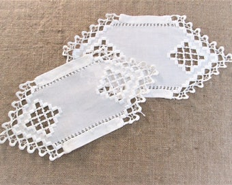 Vintage Hardanger Embroidery Doilies Table Linens Antique White Linens Table Runners Scandinavian Cottage Decor Vintage Linens