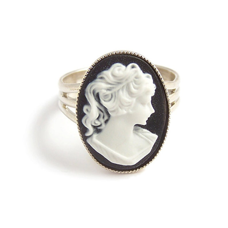 Victorian cameo ring Classic Black and white Cameo gothic goth steampunk elegance