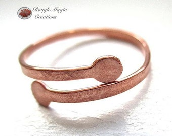 Minimalist Copper Ring, Rustic Hammered Metal Adjustable Size 5 to 6, Simple Statement for Women & Men, 7th Anniversary Gift for Couple R107