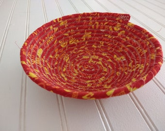 """6"""" Coiled Fabric Bowl - Hot Chilis"""