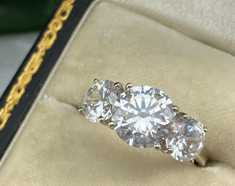 Vintage 14k White Gold CZ Engagement Ring - Round Three Stone Rings for Women Size 8