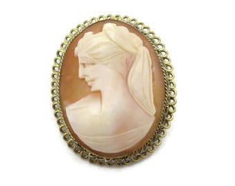 Cameo Brooch Pendant - Cameo Carved Shell