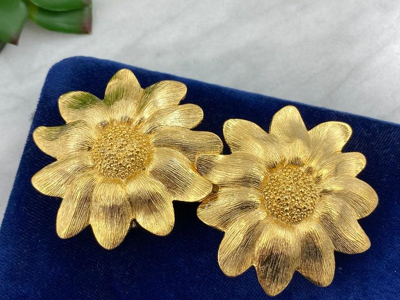 Vintage Costume Jewelry Belt Buckle Belt Buckle Paquette Gold Tone Flowers Buckle
