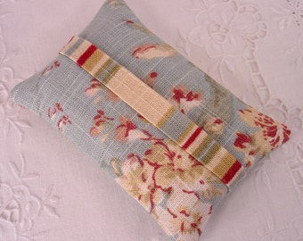 Shabby Chic Pocket Tissue Holder