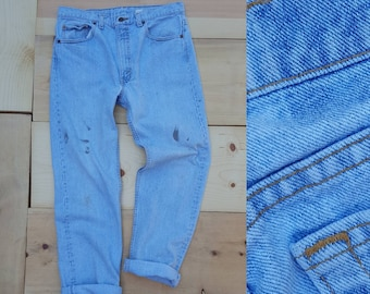Vintage Levi's 505 Jeans // Vtg 90s Levis Made in the USA Distressed Light Wash Denim Jeans // 34
