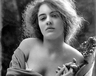 Gorgeous Woman 1900's Photo