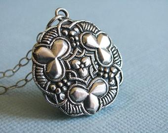 Sterling Silver Shamrock Necklace // Good Luck