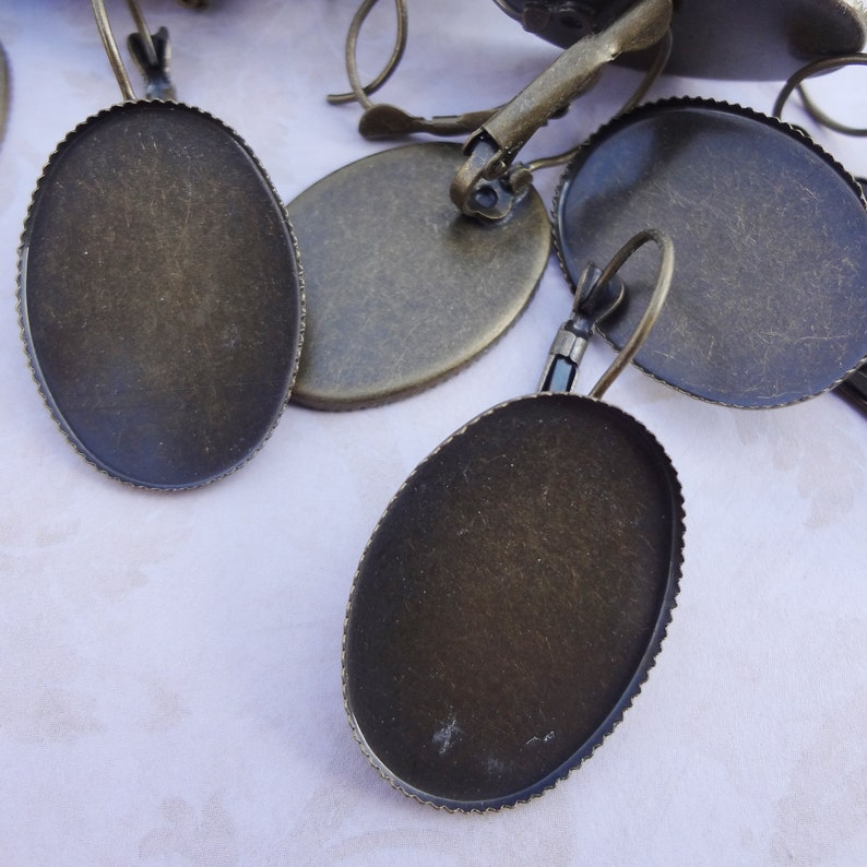 25x18mm Antiqued Brass Dangling Lever Back Clip Earrings for 25x18mm Flat Back Oval Cabs 24pcs