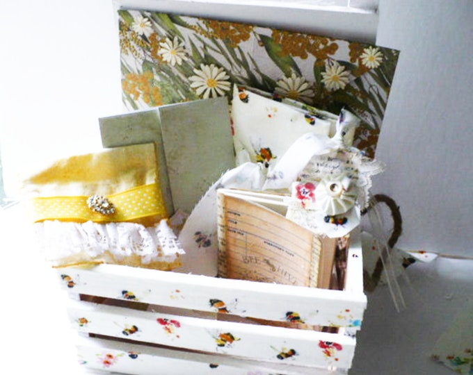 Bee Theme Writing Box With Journal for Thinking of You or Mother Daughter Tea Party. Mini Wallet