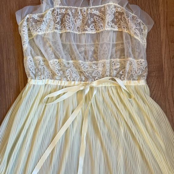 Vintage Pale Yellow Lace Slip Dress Whimsical Fai… - image 4