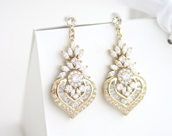Gold Earrings Bridal Earrings Gold Crystal Earrings Pearl Wedding Earrings Vintage Wedding Jewelry EVIE DROP