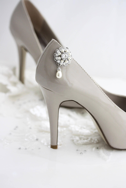 Bridal Wedding Shoe Clips Swarovski Crystal Pearl Round Accessories Ella Clarette Sandals Cristina Beige Zoom