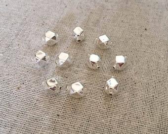 10 Silver Faceted Cube Blown Glass Beads Christmas Garlands 8mm ~ Czech Republic GB-EC-08