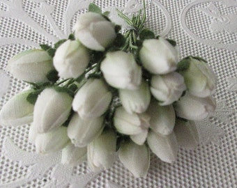 24 Vintage East Germany Rose Buds Flowers Millinery Hand Made Flower White Roses 1950s XVAL-1A