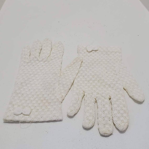 Vintage 1980's White Stretch Lace Bow Wrist Gloves
