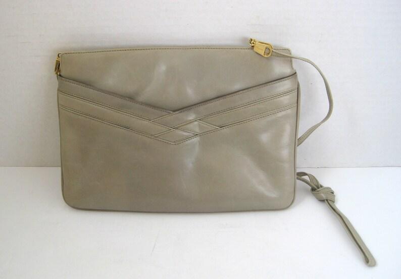 c24a221714 Vintage Salvatore Ferragamo Tan Leather Purse Handbag