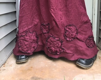 Flowers and Scrunches Long Skirt M