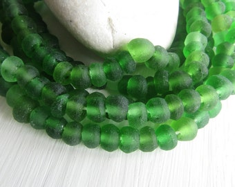 Small Green Recycled glass rondelle  beads , matte frosted , irregular uneven puffy rondelle  beads 5 to 7mm x 7 to 9mm ( 20 beads )  6ak7-2