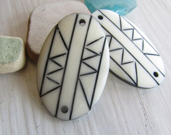 Carved white bone connector , flat oval link with  tribal pattern, boho ethnic style , indonesia , beading  supplies ( 2 pcs ) 7ab75
