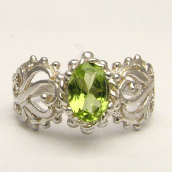 Handmade Solid Sterling Silver Peridot Filigree Ring