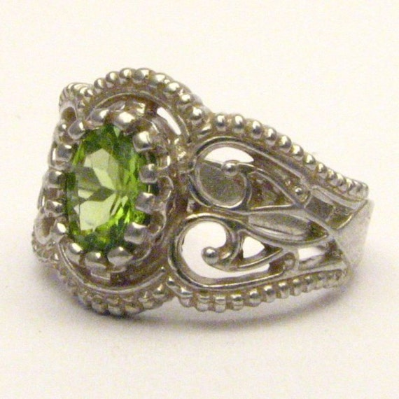 Handmade Sterling Silver Filigree Crown Peridot Ring
