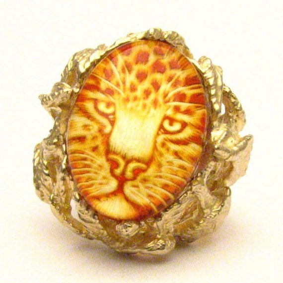 Handmade 14kt Gold Carved Amber Jaguar Claw Ring