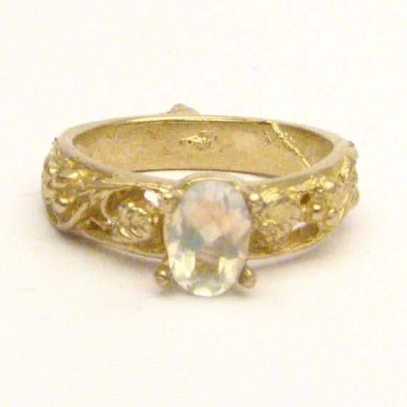 Handmade 14kt Gold Moonstone Filigree Ring