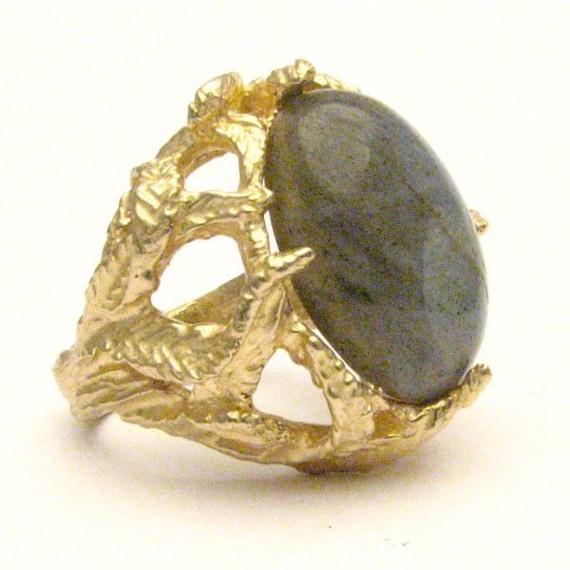 Handmade 14kt Gold Labradorite Claw Ring